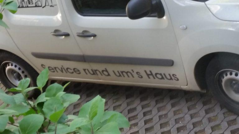 Rund um's Hau's?